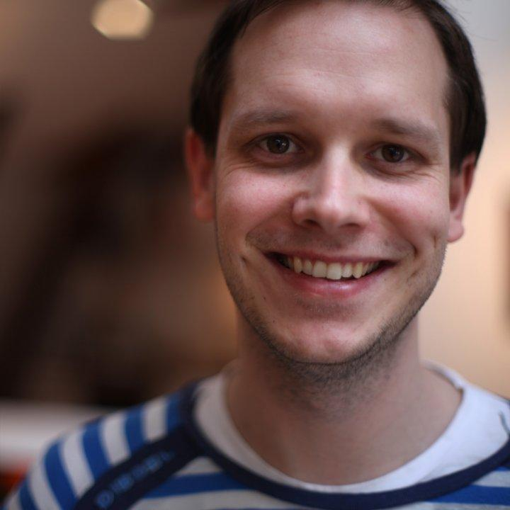 Pirate Bay's Peter Sunde is a FREE man again. http://t.co/rUiwNllXBe #brokepfree @brokep welcome back! http://t.co/ThLK8aAYti
