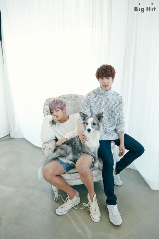 Taehyung on twitter btsarmyrps starcast 2015 seasons btsarmyrps starcast 2015 seasons greetings previews jin v picitterrqwhgdsh6s m4hsunfo