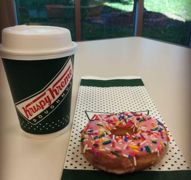 Thank you veterans & active military. Enjoy a free small coffee & doughnut tomorrow http://t.co/QZJlZFuTRq #US http://t.co/1XVM6uiMd7