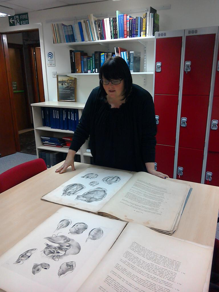 Skills for the Future trainee looking at highly detailed anatomical drawings MS 16/7/2 #DayInTheLife #explorearchives http://t.co/5nKtx0CMoh