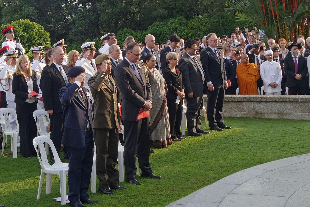 Ambassador L.Moiseev took part in the #Remembranceday  Sunday Ceremony  http://t.co/rbDwcn9Cjm @HCAPhillipson  #WW1 http://t.co/kGQ4oCRgOa
