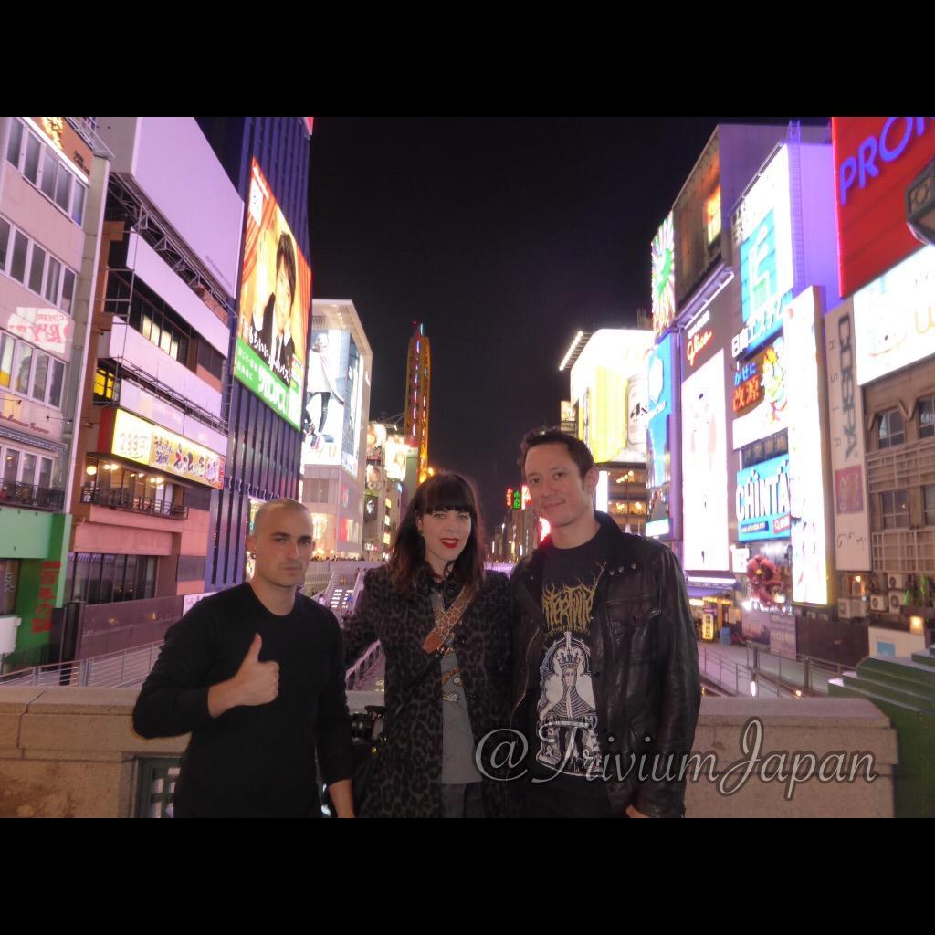 本日パオロ、キイチ君と彼の奥さんが来日!大阪をベースに数日観光するそうです。ホントはライブしに大阪に来て欲しかったですね!オフを楽しむとはいえ、会う人、すること、行く場所盛り沢山で多忙なようです!#TriviumJP2014 #fb http://t.co/T1ZnMjCS5p
