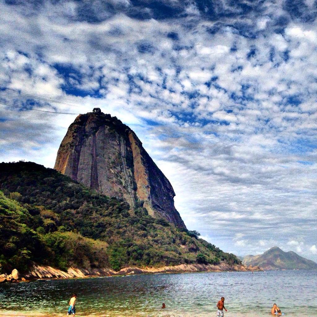 | Red Beach | #riodejaneiro #RJ #praiavermelha  pic.twitter.com/1P23XrSvO6