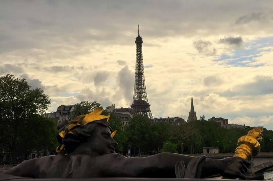 ------* SIEMPRE NOS QUEDARA PARIS *------ - Página 17 B2HrnuJCAAAl0mR
