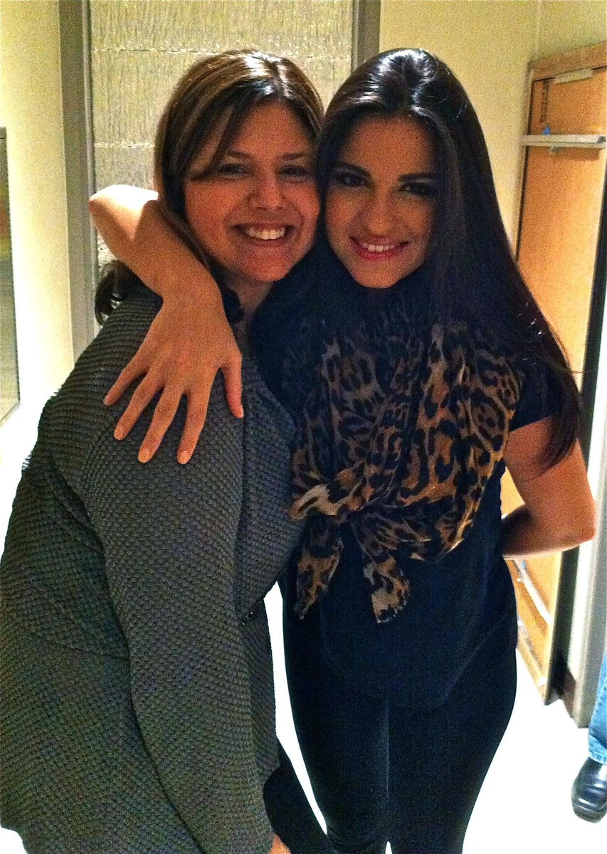 My moment w/ @MaiteOficial -que GUSTO CONOCERTE!! Beautiful person- #BeautifulLengths @Pantene @LosTweens @Orgullosa http://t.co/48n0OOGR0E