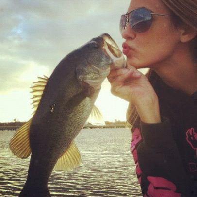 Ladies fishing on twitter brooke thomas of huk apparel for Brooke thomas fishing