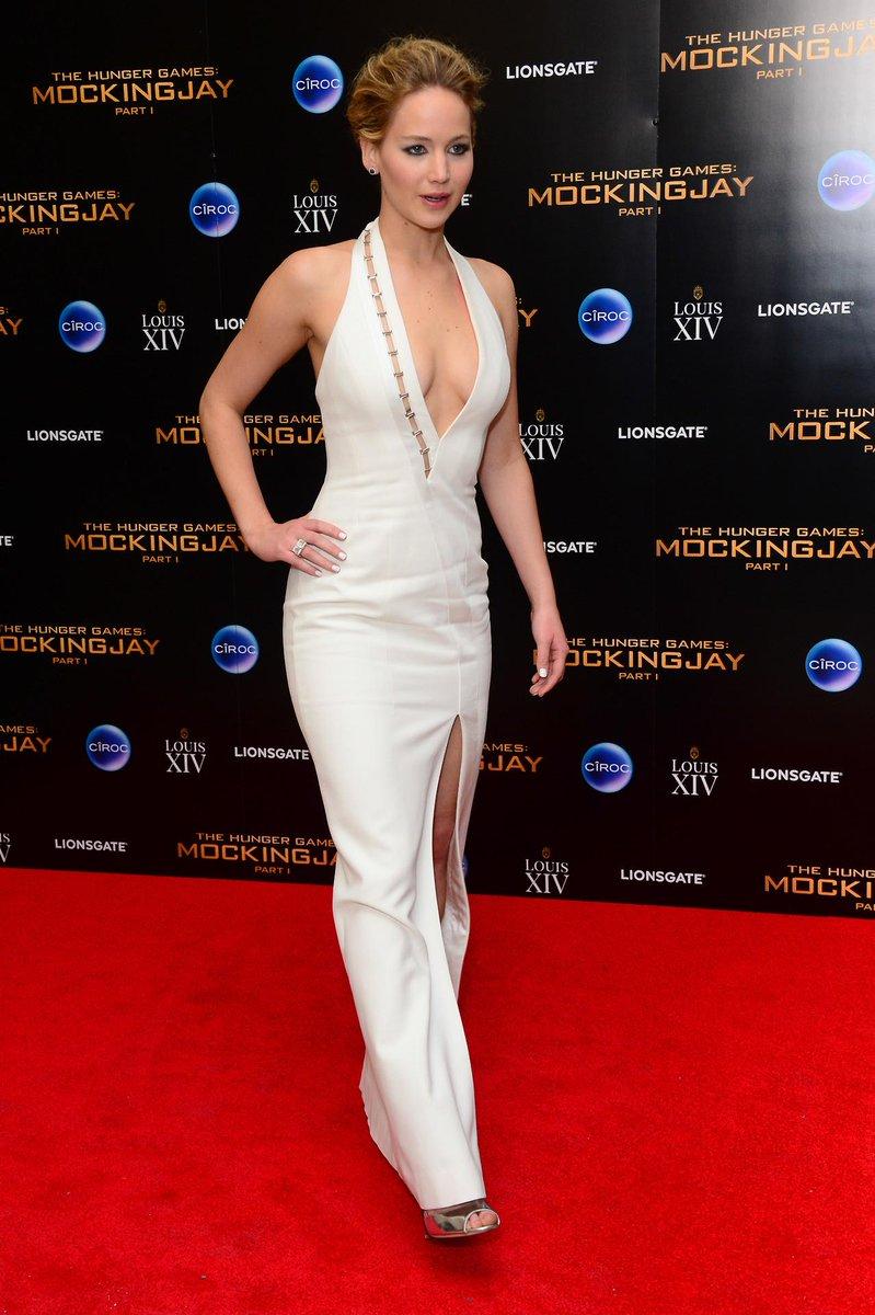 Jennifer Lawrence Mockingjay Premiere