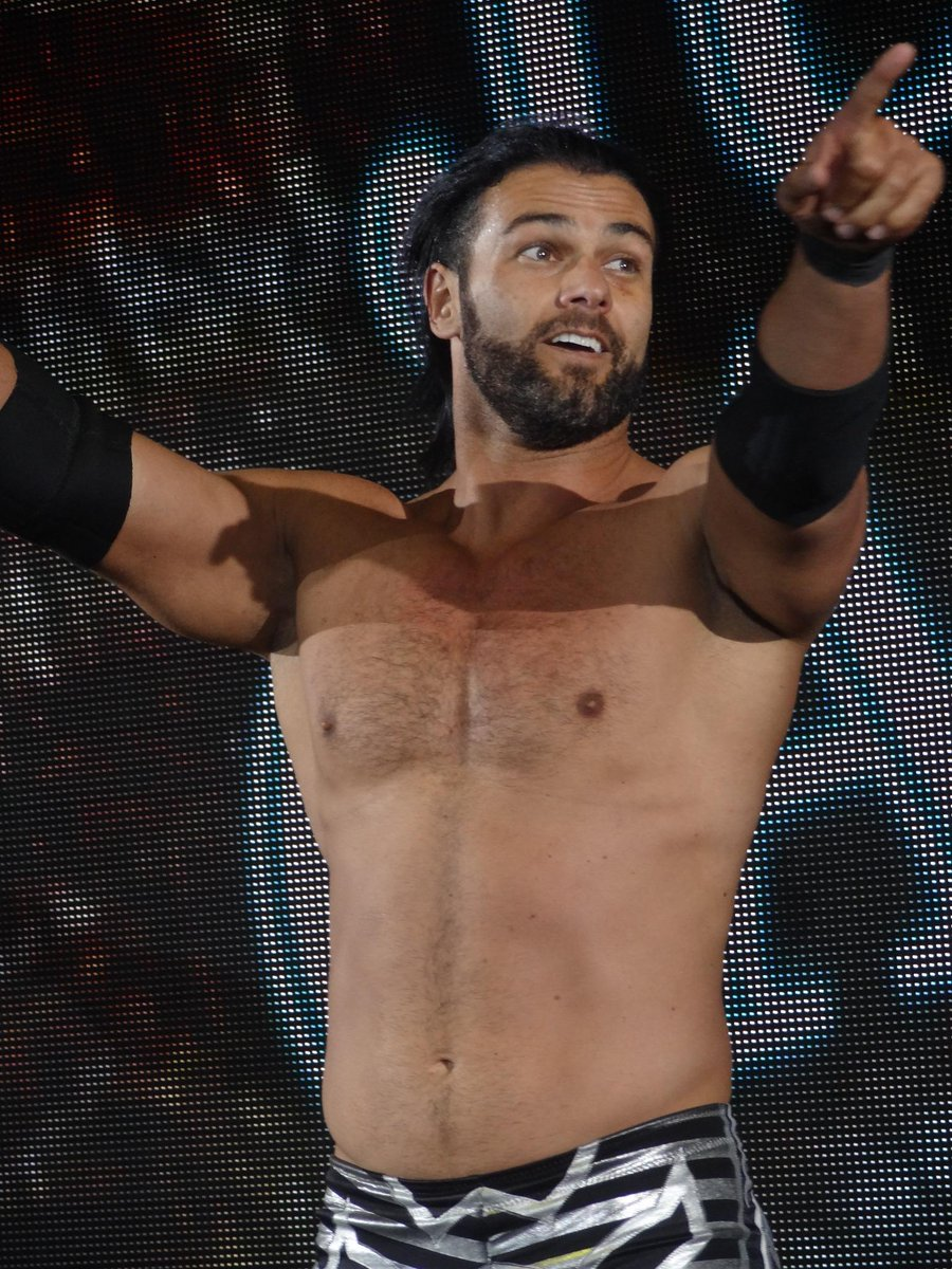 He's not a bunny!!! @Justin__Gabriel http://t.co/HvCpjZuV9Y