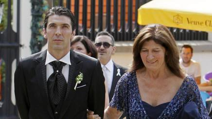 Alluvione Carrara Toscana: Mamma Buffon mette a salvo la prima maglia azzurra