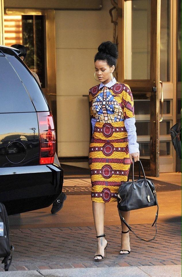 Rihanna at her hotel in Washington DC. http://t.co/YDVw41HwLU
