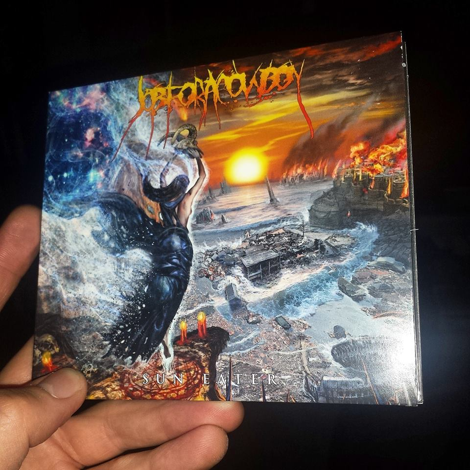 Sun Eater is officially here! Pick it up in-stores or online! http://t.co/sdE5E8uUjK