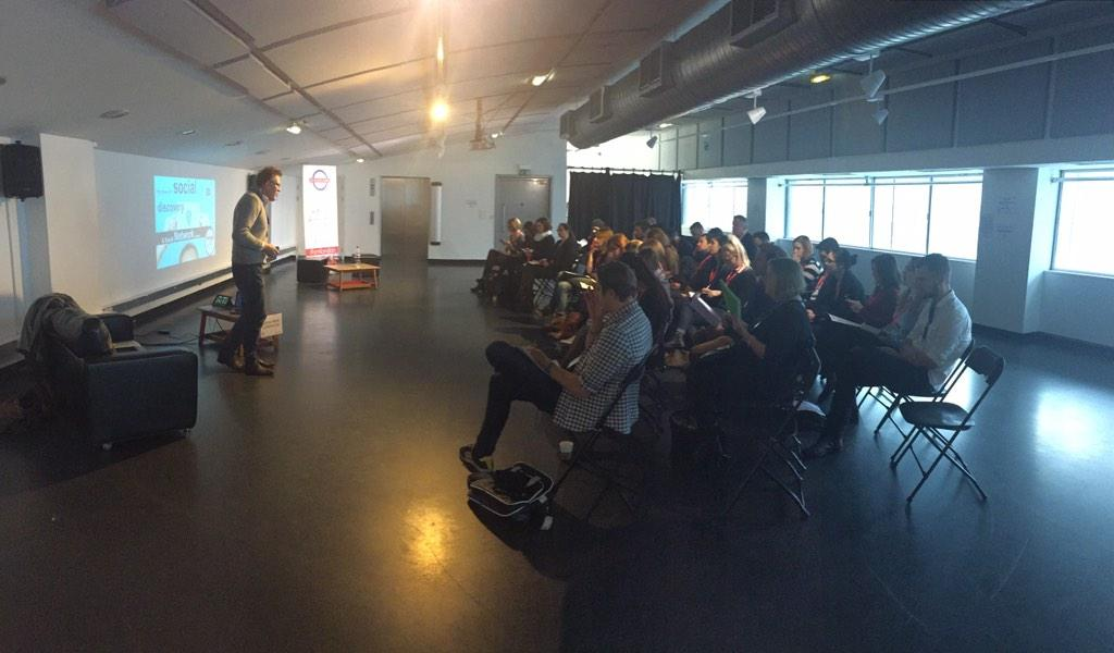 ROOM 2: @leesmallwood has begun his talk! #smlondon http://t.co/Us3uKv2ie2
