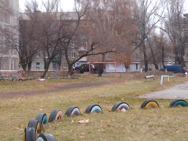 Террористы дважды обстреляли аэропорт Донецка. Приняты дополнительные меры для усиления обороны объекта, - штаб АТО - Цензор.НЕТ 7149