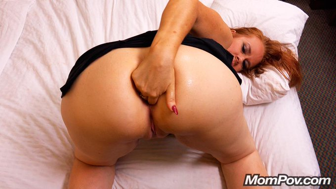 You got a handful there girl! #BritishMilf #Milf #Ass #Anal #MomPov #NSFW #XXX #Porn  http://t.co/mpLrNT7bmd