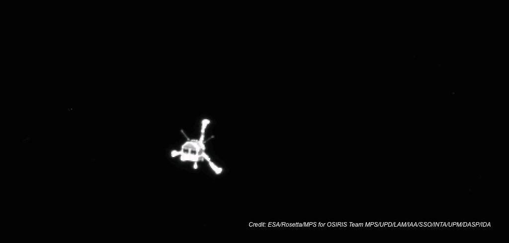 Billede af Philae landeren på vej ned, taget af Rosetta sonden