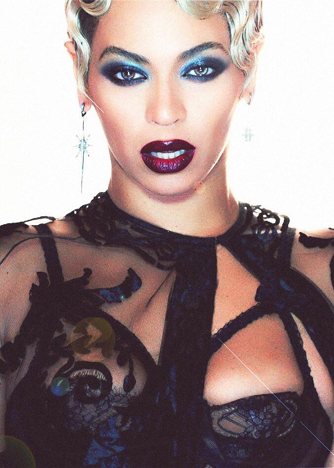 .@Beyonce Artist of the Year #AMAs http://t.co/A896ek94aW