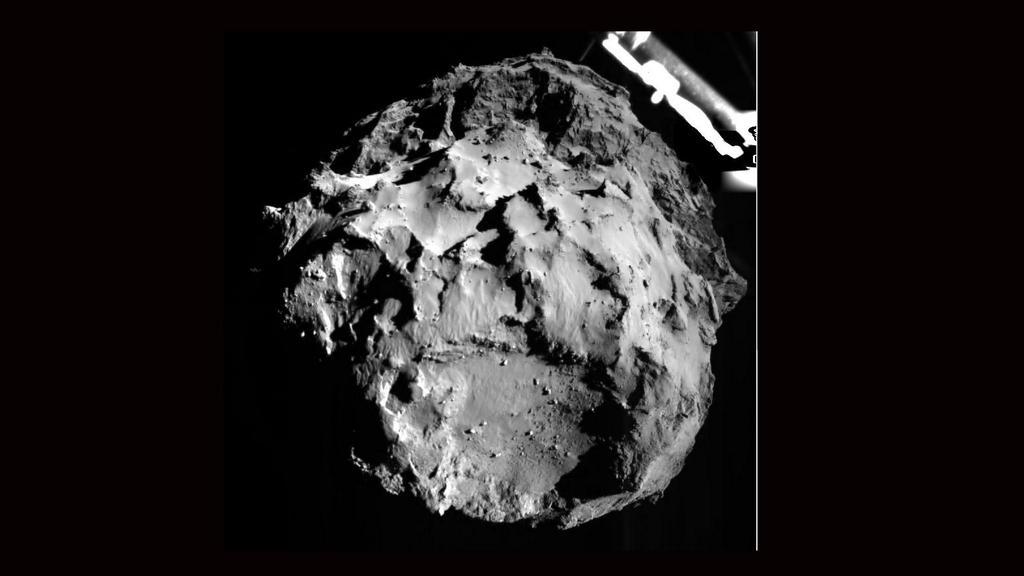 ロゼッタ・フィラエ着陸機(Rosetta Lander Imaging System (ROLIS))から撮影された画像. pic.twitter.com/b8YVpLp1eW