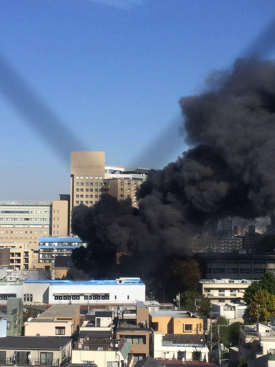 東大病院の近くで火事。これ職場から撮った写真です pic.twitter.com/pTM01aNwZa