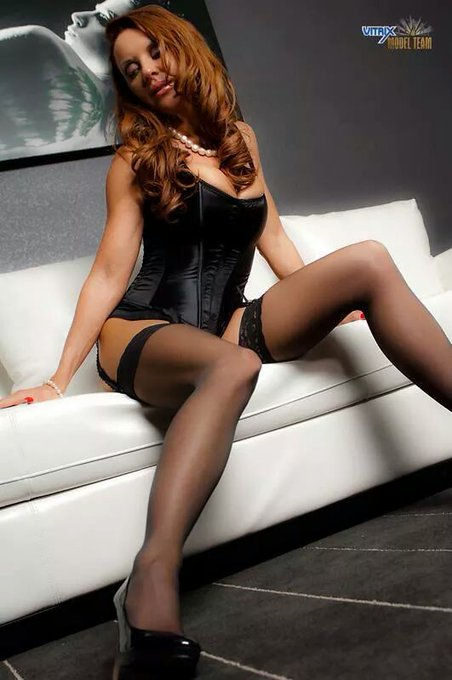 #ThrowbackThursday from the Vitrix Model Team days! Stockings, corset heels #MILF http://t.co/KJc8Qx