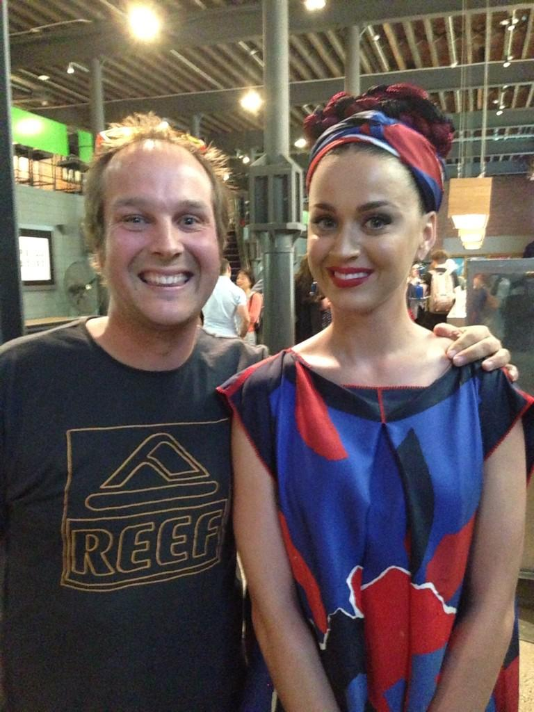 Thanks so much @katyperry for the photo. You are absolutely beautiful!!! #KatyPerry #PrismaticWorldTour #Melbourne http://t.co/BvaWIyxSc2