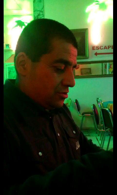 ESTE ES EL WN QUE ASALTO A MI HERMANA!!!! FAVOR #RT #RT Y DEMOS A CONOCER LOS FLAITES http://t.co/hWNgQ33c9Q