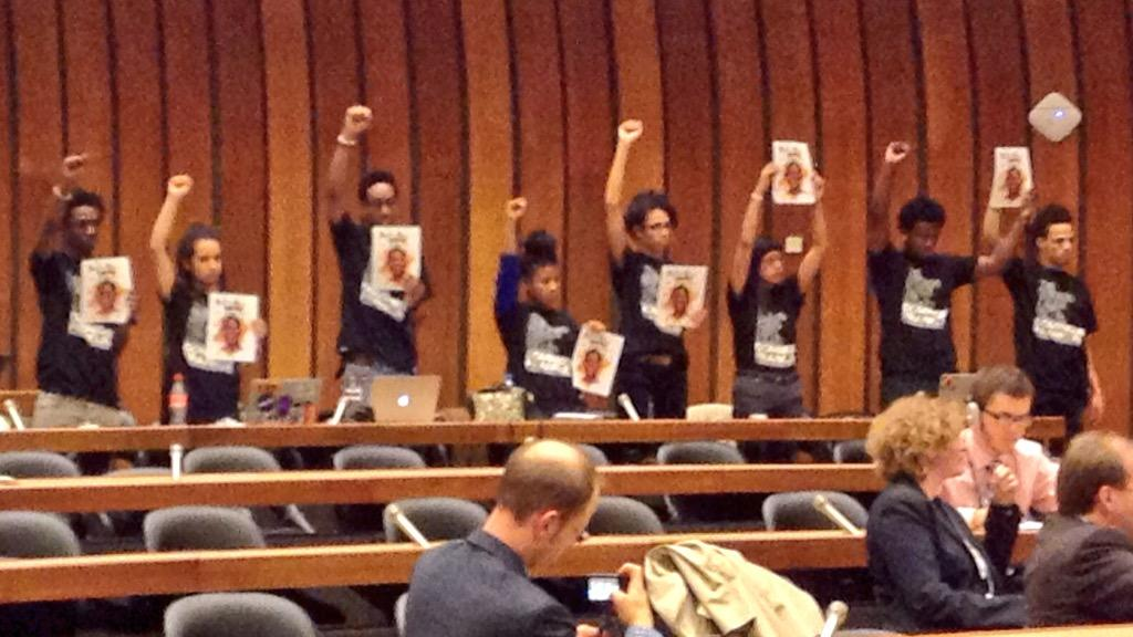 """@KimLanoueC: Next-gen Chicago advocates stand-up for justice at home at #UNCAT #WeChargeGenocide @USHRN http://t.co/14Uo7SCM10"""