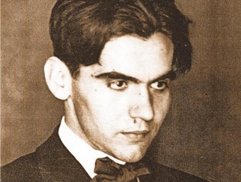 """La soledad es la gran talladora del espíritu"". (Federico García Lorca) http://t.co/rniJmrMKzP"