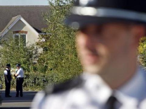 Royaume-Uni: Il tue son père, le démembre et en fait un meuble télé http://t.co/A0hDTHhDTs http://t.co/cpBHVgsIgf