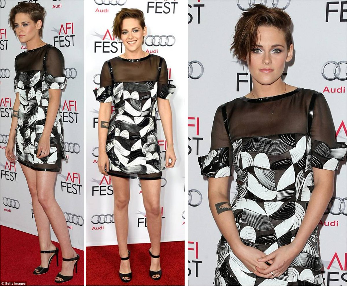 I have always loved Kristen Stewart's edgy style. And this Chanel is better than ever. Love it. Also, mules. ♥ http://t.co/8VQBkDh3Ru