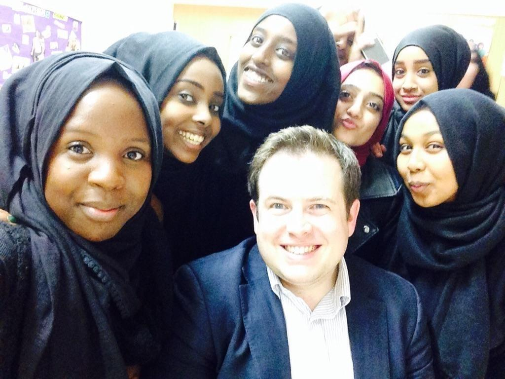 Love this photo. Our anti-extremism group, including @mahnoorxx @hafsaomarx & others, met @SDoughtyMP last night. http://t.co/7YS13OGIAi
