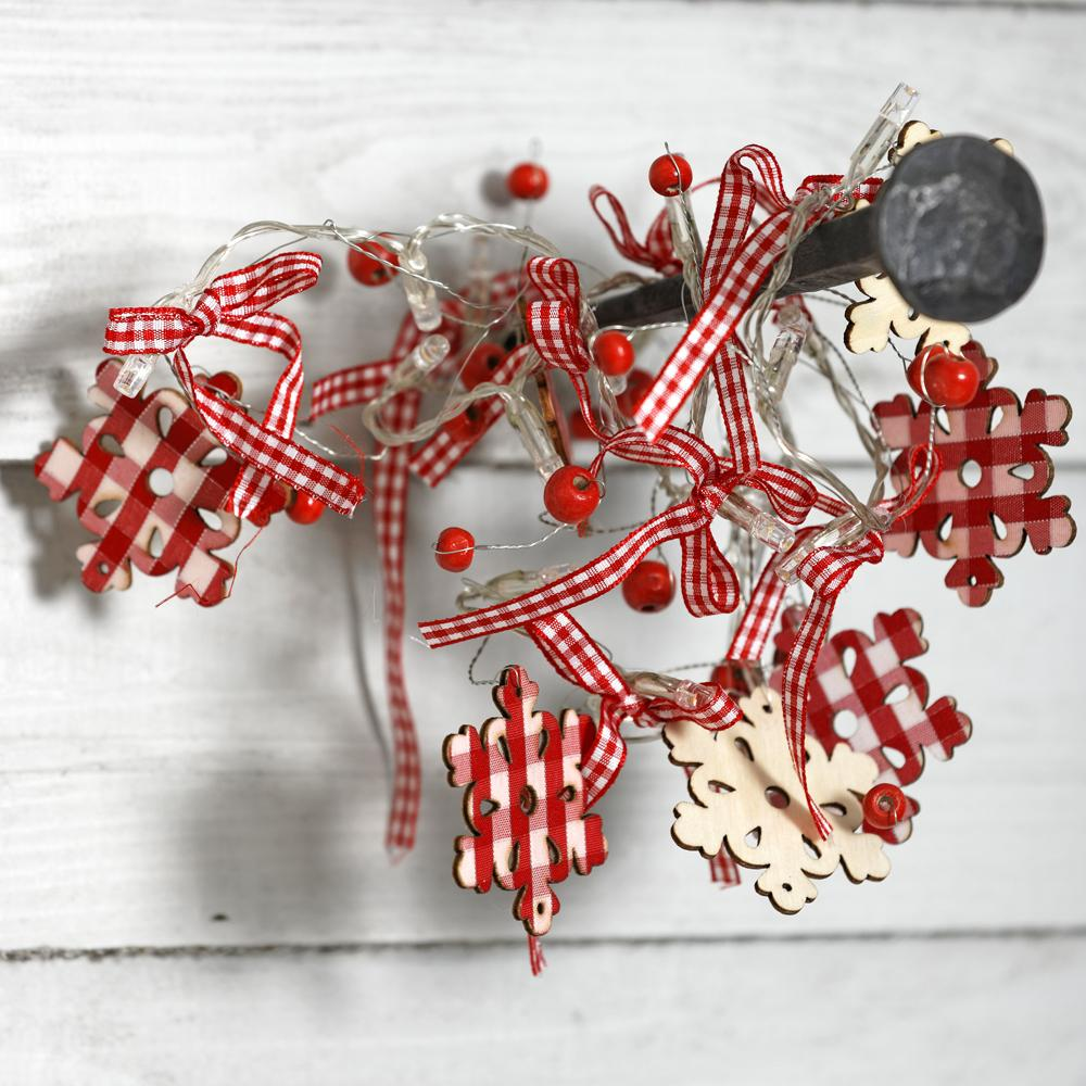 Follow +RT for your chance to #WIN 1 of 2 Light-up Snowflakes Garlands. Competition closes 5pm Sun 16 Nov. Good luck! http://t.co/PN1FhLwWRo