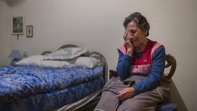 No soy antisistema pero no podemos seguir así: Carmen, 85, desahuciada por avalar a su hijo http://t.co/JT5VaQHLDh http://t.co/kF6bQ2AnmL