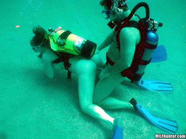 Секс на дне моря фото #4
