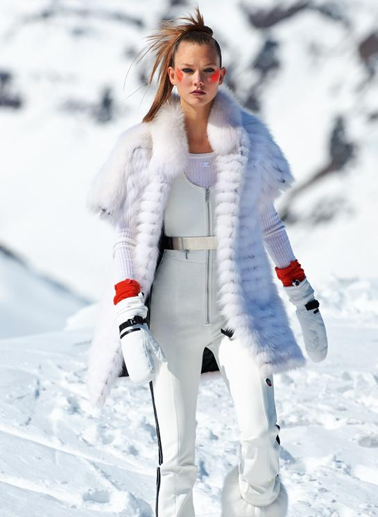 Did you see Karlie between the icy glaciers in our November issue? http://t.co/Zo1m83XYjO #KarlieKloss @karliekloss http://t.co/xk1rPqfDn2