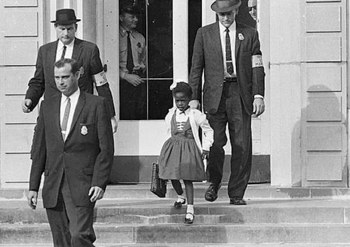 Nov. 14, 1960: Ruby Bridges, 6, integrates all-white elementary school in New Orleans. http://t.co/xBTKQAq3PP http://t.co/hgcj5LBfbv