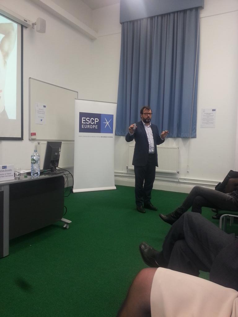 Creative people do not like constraints says  Thomas Bucaille, @condenast, @ESCPeurope #creativitymktg http://t.co/PwvKJvDWK4
