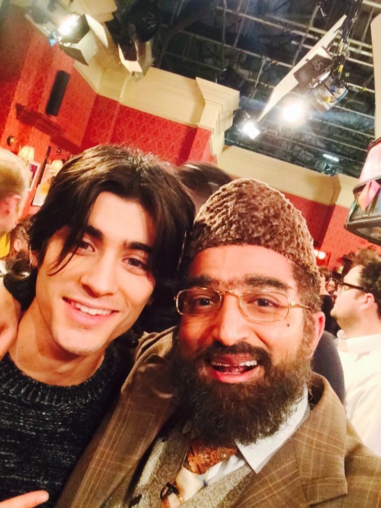 This man is big fan of #CitizenKhan who is he??? #ChildrenInNeed #onedirection http://t.co/PkQNtOAYGK