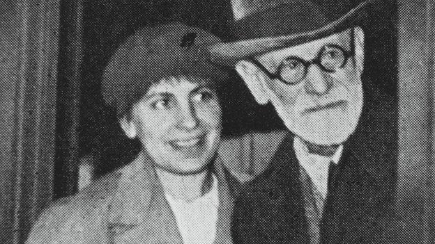 Foto d'epoca: Anna Freud con il padre Sigmund Freud
