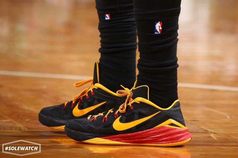 sports shoes cf061 28aa5 ... SoleCollector.com on Twitter Nike Hyperdunk 2014 Kyrie Irving Notebook  PE ...