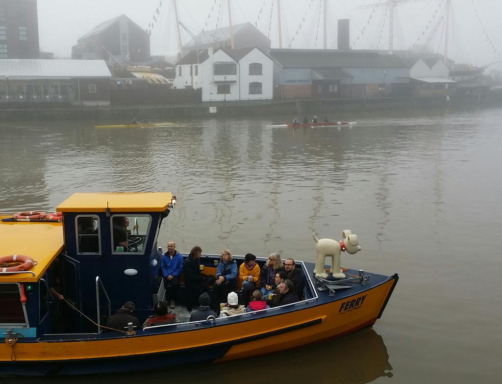 Even Gromit was on lookout this morning in the mist #Bristol #waterfront x http://t.co/O0XYQqakIO