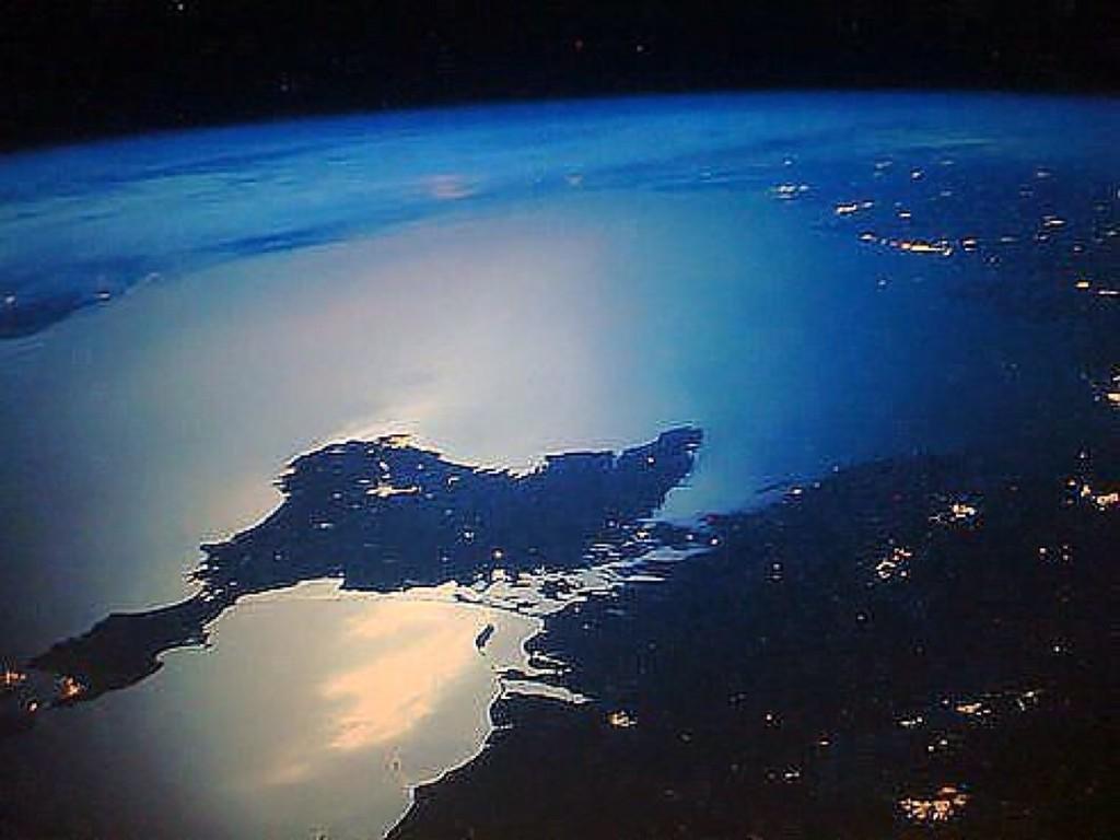 Ночной крым из космоса фото