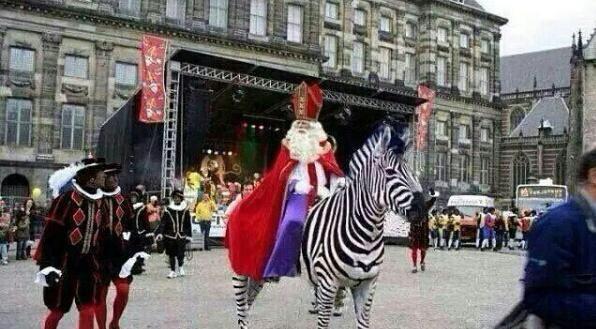 Om de discussie van volgend jaar vast voor te zijn #intocht #Sinterklaas http://t.co/LI8jEA1Lgg