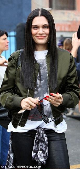 Make this count for @JessieJ #MTVStars Jessie J http://t.co/kFSSKPxcmA