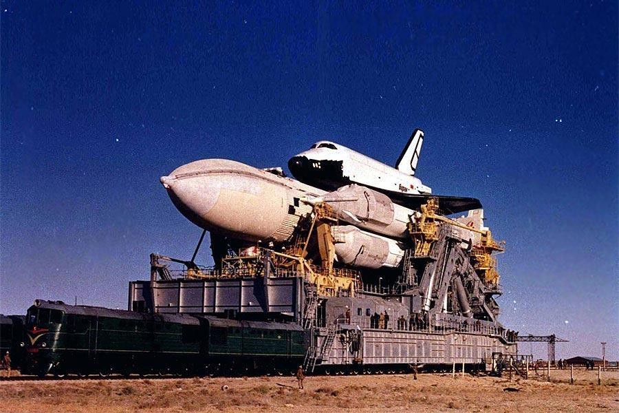 #OTD 26 years ago the Russian shuttle #Buran was launched for the first and last time #history http://t.co/ihjnOtrQcg