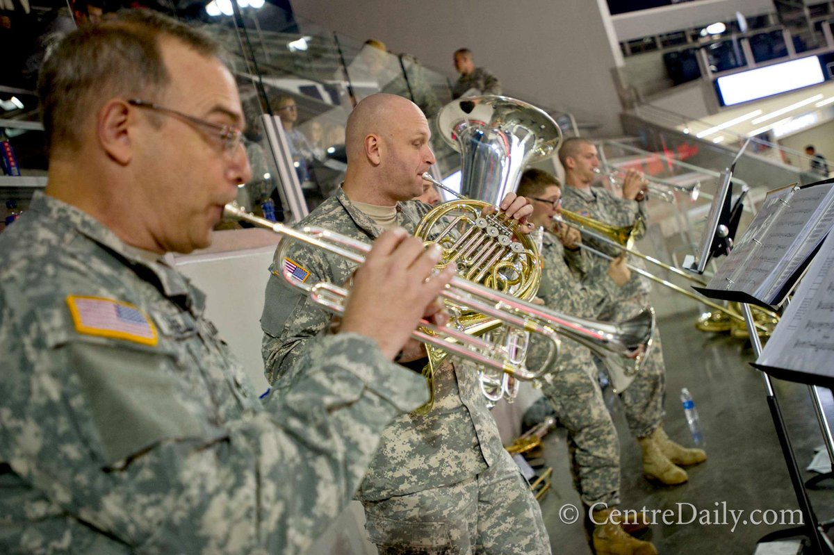Members of the PA National Guard 28th Division band play at the veteran tailgate before the PSU game. #PSUMilitary http://t.co/OEqJHvhAcJ