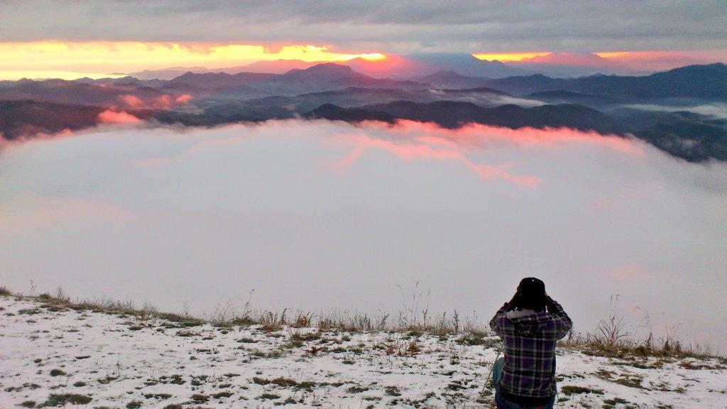 雲海の木崎湖とか初めて生で見たし #木崎湖行きたい http://t.co/01ZALzjzD5