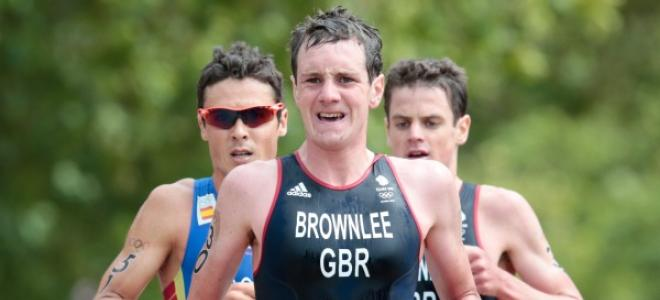 Stimpson & Brownlee - Olympic Athletes of the Year: http://t.co/Uj29Dixnk4 @jodiestimpson  @AliBrownleetri @TeamGB http://t.co/wmkAEumnCR