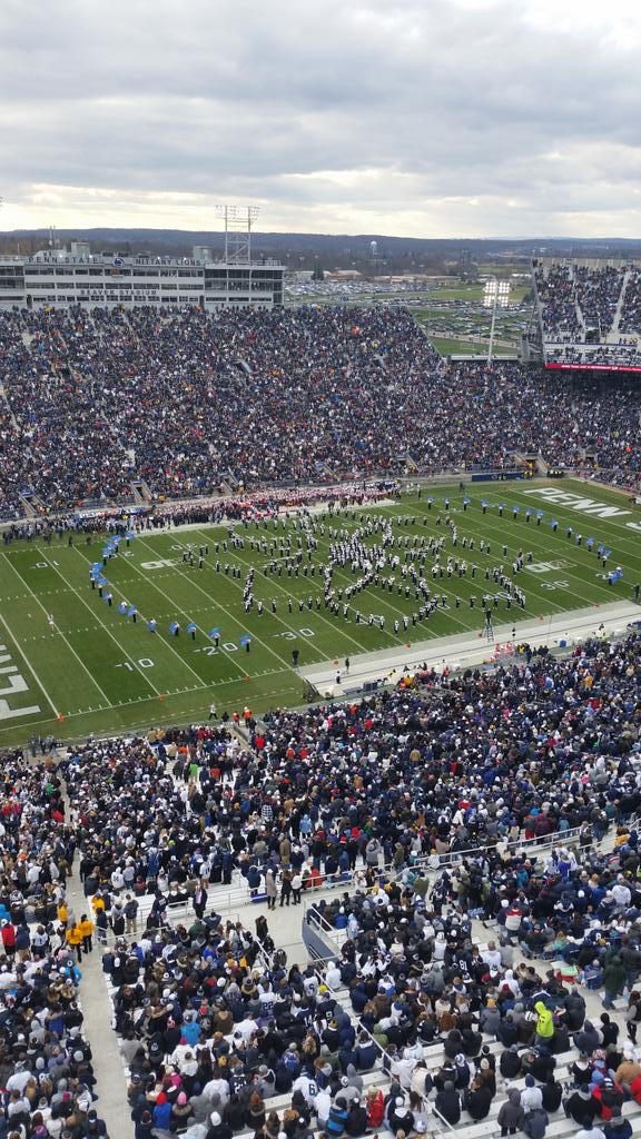 Kudos to @PSUBlueBand for an incredibly complex halftime show this week. #PSUnrivaled http://t.co/mk0Exf5ijT