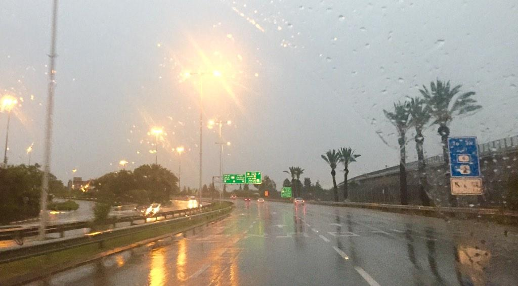 The road to Erez Crossing is wet! Hope the flooding in #Gaza isn't too bad. http://t.co/Ie1rYfnUJ2
