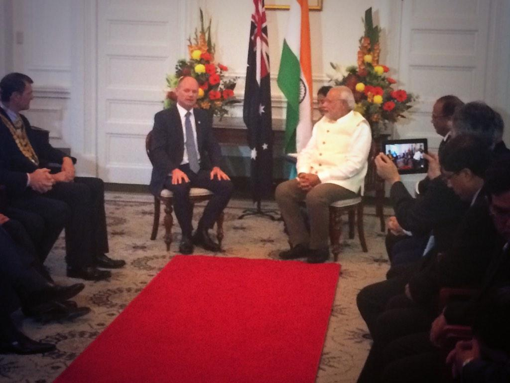 Fantastic to welcome @narendramodi to Brisbane City Hall to talk QLD/India relationships #G20 http://t.co/2PZa7MLY9x